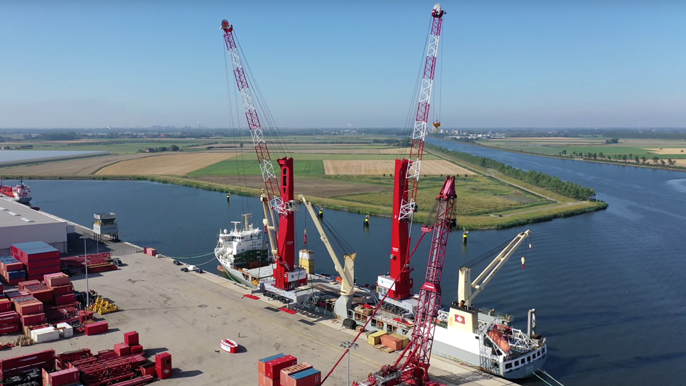 SAL: MV Paula, loading high-performance mobile harbor cranes in the Netherlands